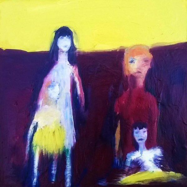 Famille mère et enfants peinture jaune et violette