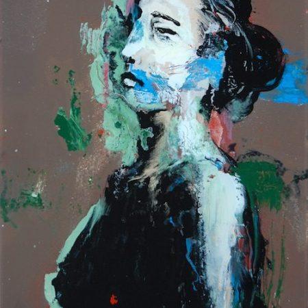Chloé portrait de femme fixé sous verre moderne fond gris sombre