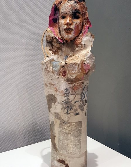 poupée sculpture en papier