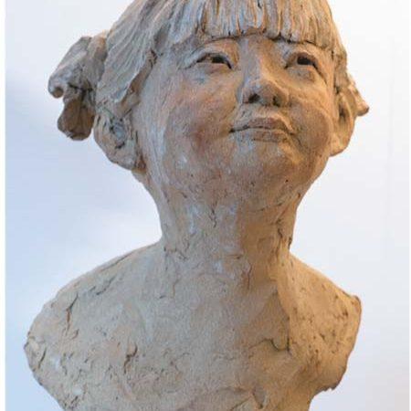 sculpture terre cuite fillette