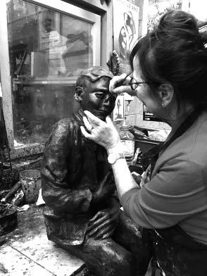 femme sculptrice Ybah