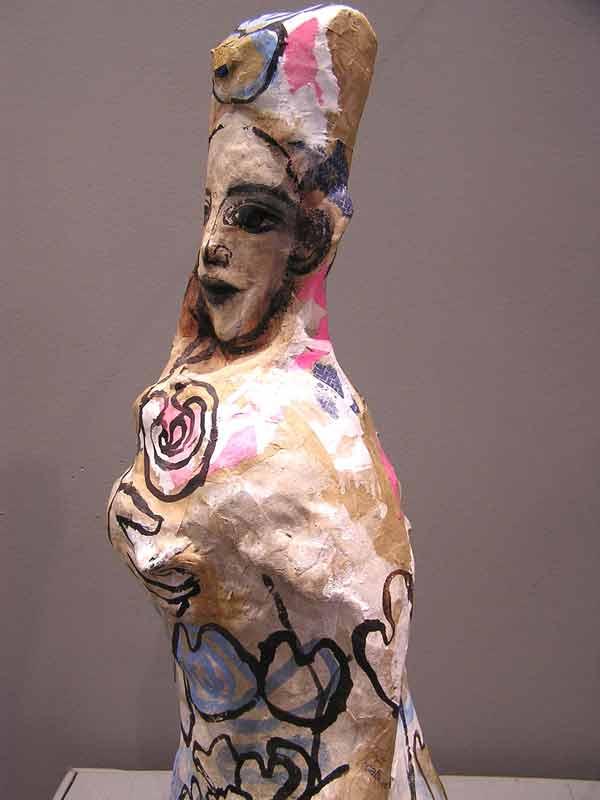 Femme à l'hibiscus de profil sculpture papiers