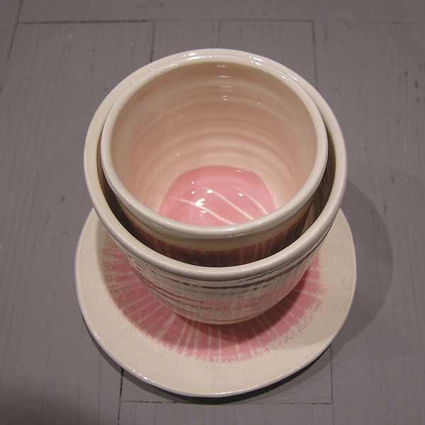 tasses rose et blanc à thé et café