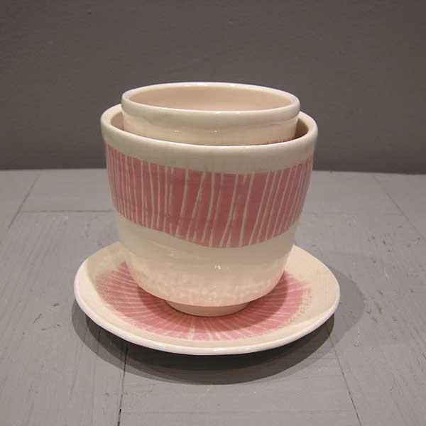 tasses rose et blanc thé et café