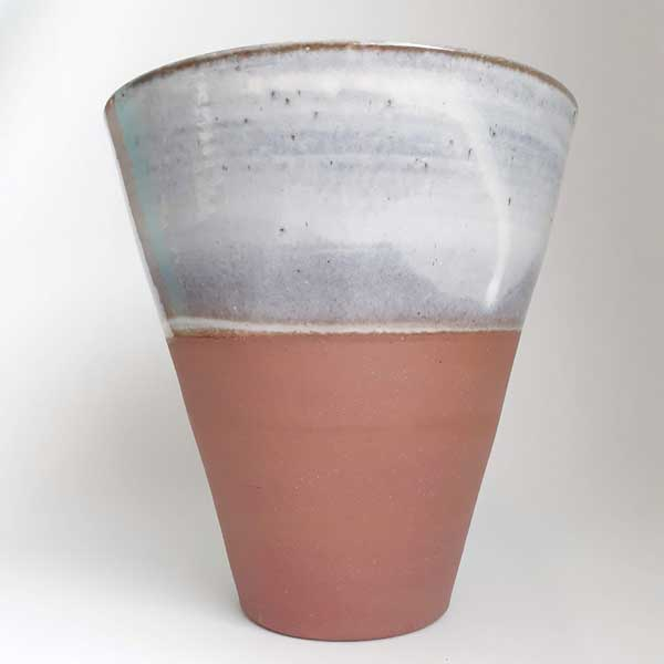vase seau en grès naturel et bleu-gris